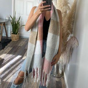 Blush/grey cozy scarf